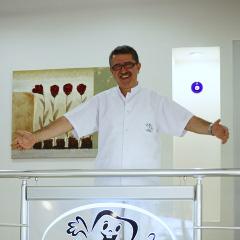 Dr. Zafer Kazak